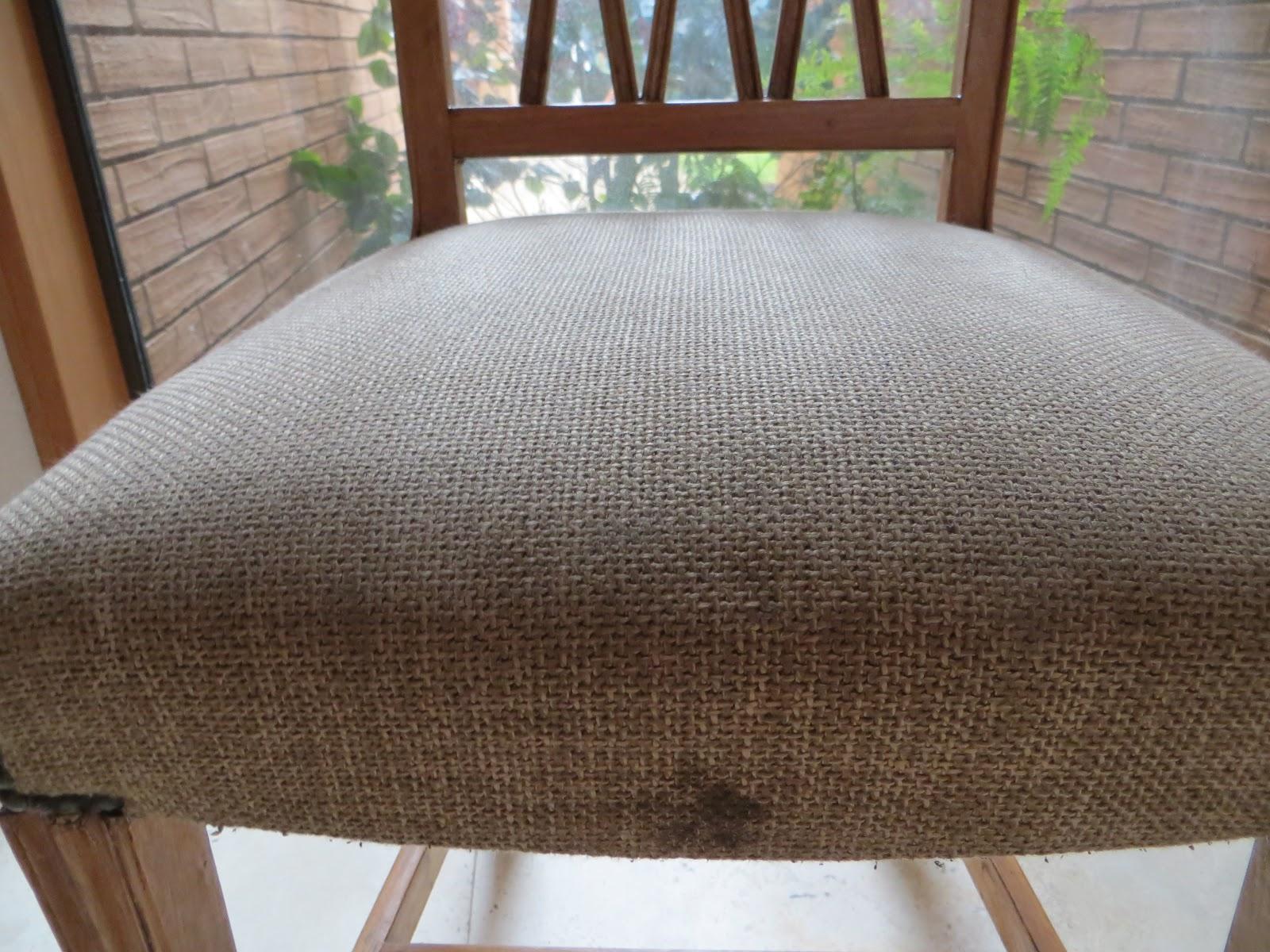 Decora y adora sillas del comedor de diario for Tapiz para sillas de comedor