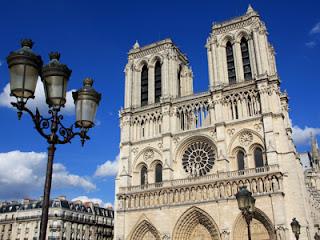 De Notre Dame in werereldstad Parijs