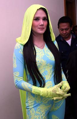 Penyanyi Mulan Jameela memiliki harapan di ulang tahun Ahmad Dhani