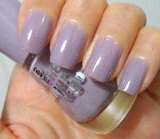 Essence Ballerina's Charm nail polish swatch