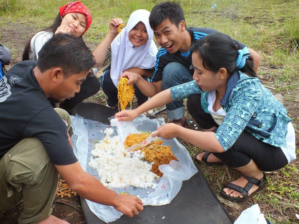 Camping di Gunnung Galunggung