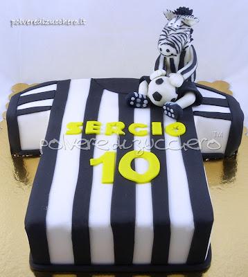 torta maglietta della juve con zebra mascotte, in pasta di zucchero