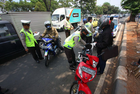 cari-info-menarik.blogspot.com - Uang Denda Tilang Pelanggar Lalu Lintas