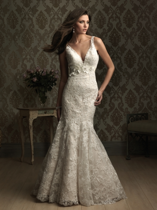 Bridal dresses uk sexy v neck wedding gowns for Sexy lace wedding dresses