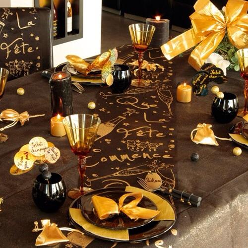 """Table de fêtes """"marron et dorée"""""""