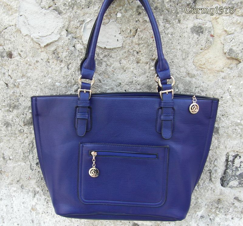 borse-in blue