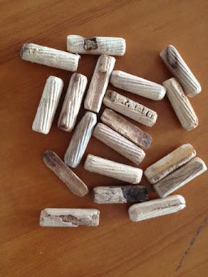 Chốt gỗ bị hòng
