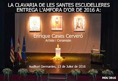 13.0717 LA CLAVARÍA DE LAS SANTAS JUSTA Y RUFINA HACE ENTREGA DE L'AMFORA D'OR A ENRIQUE CASES.