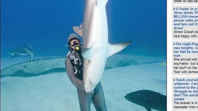 Conheça a mergulhadora italiana com habilidade para acalmar tubarões