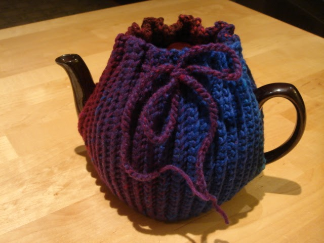 Free Easy Tea Cosy Crochet Pattern : NEW WEBSITE !! www.bobwilson123.org: Crochet Tea Pot Cozy ...