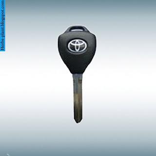 Toyota tundra car 2013 key - صور مفاتيح سيارة تويوتا تندرا 2013