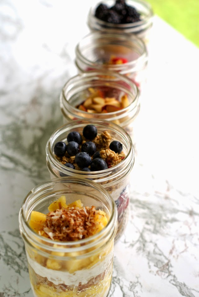5 delicious parfait recipes to set you up for success for the whole week! | thetwobiteclub.com | #yogurtperfection #makeahead #healthy #ad