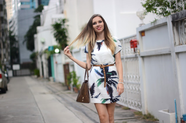 palm tree print, šaty shein, bílé šaty shein, bangkok fashion blog, thai fashion blog, czech blog, czech fashion blog, czech fashion blogger, módní blog, kristýna vacková, kristýna thajsko, ombre hair, nose ring, white shoes, outfit of the day, simple fashion, thai fashion, czech fashion, český blog, nejlepší české blogy, nejlepší módní blogy, best thai blog, best thai fashion blog
