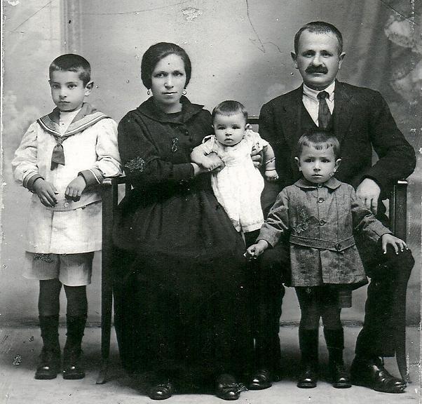 ---La vida en el siglo pasado--- 1920FamiliaMilin50