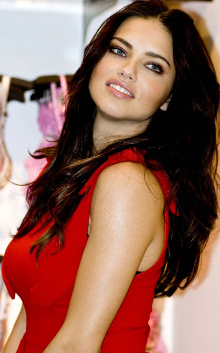 adriana lima cute stills