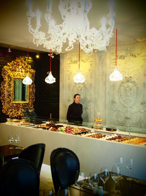 le caf pouchkine ouvre son premier salon de th paris madame r ve paris. Black Bedroom Furniture Sets. Home Design Ideas