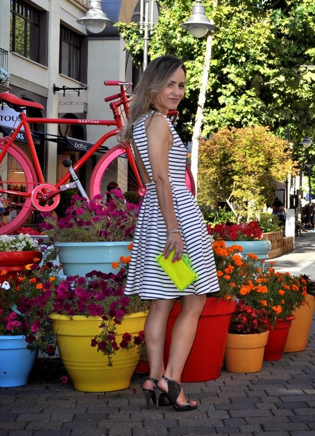 Como combinar vestido rayas