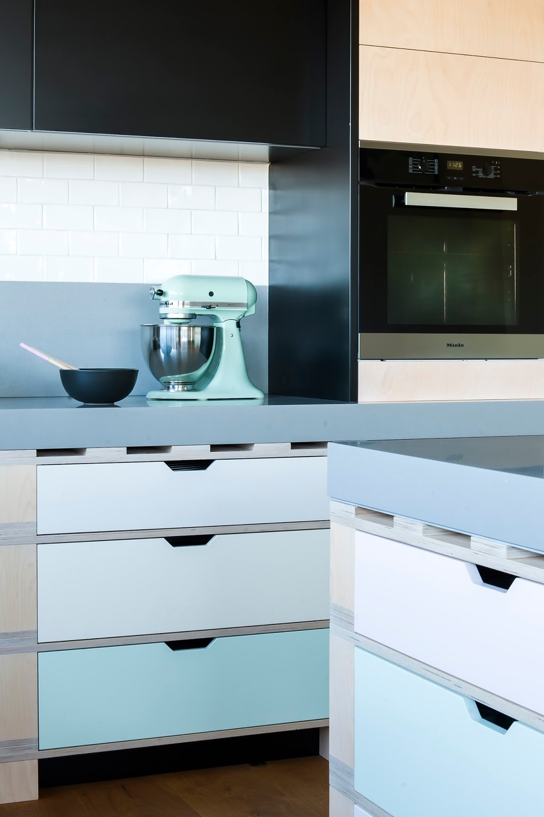 Minosa: A unique kitchen design solution based on a palette