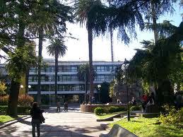 Municipalidad y Pza. San Martín de la ciudad homónima.