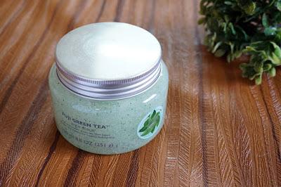 The Body Shop, Fuji Green Tea Body Scrub, Skin care, Benefits of Green tea, The Body Shop Pakistan, Beauty, beauty blog, skin care blog, green tea for skin, red alice rao, redalicerao, top beauty blog of Pakistan