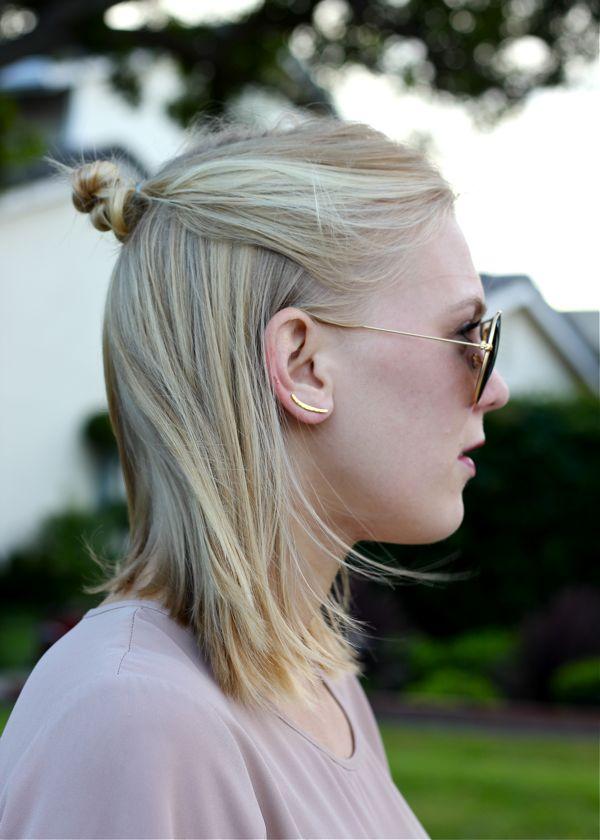 Shae Roderick, half bun, top knot, baby bun, hairstyle, blonde