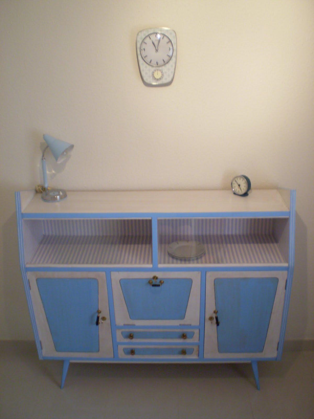 Artesanato E Reciclagem Com Garrafa Pet ~ Vintagería Aparador años 50, teñido en azul y blanco