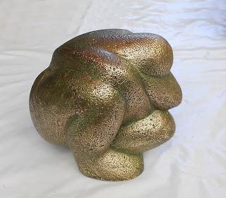Statue style contemporain femme nue accroupie