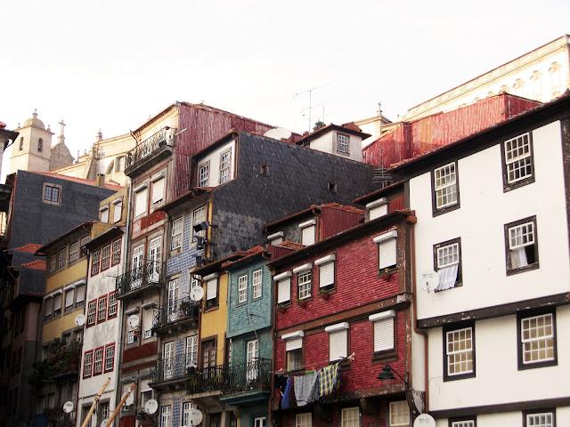 Casitas situadas en el barrio de Ribeira
