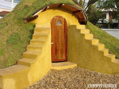 Funny hobbit Building