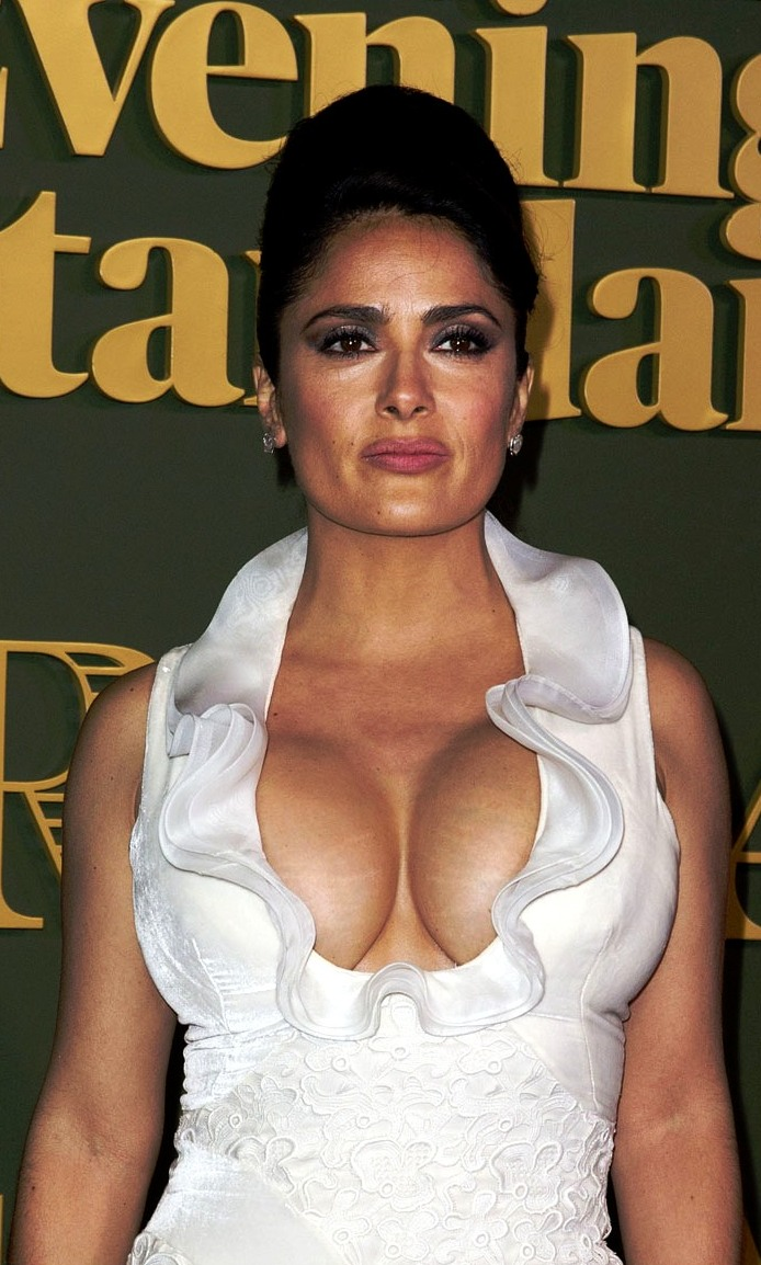 nude pictures of selma hayek  253516