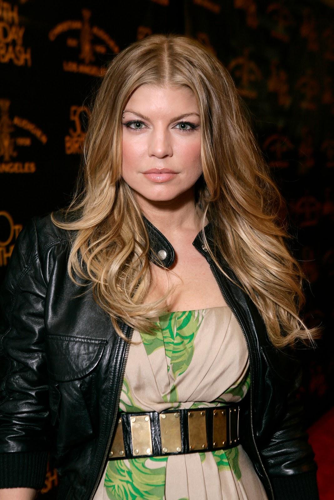 http://3.bp.blogspot.com/-J1VjKbOWG6o/Tz4ullpqpDI/AAAAAAAAL4U/91JE8t3CHBk/s1600/Fergie+1.jpg