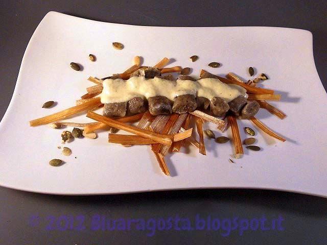 08-gnocchi di olive nere con fonduta di parmigiano e zucchine