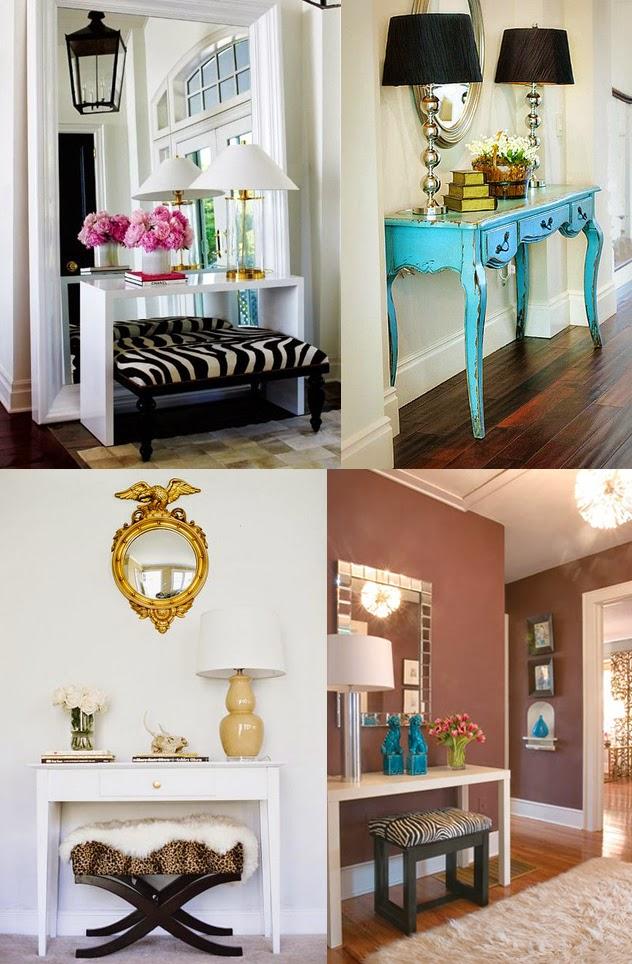 espelho no hall de entrada, luminárias, móvel azul turquesa, banco zebrado