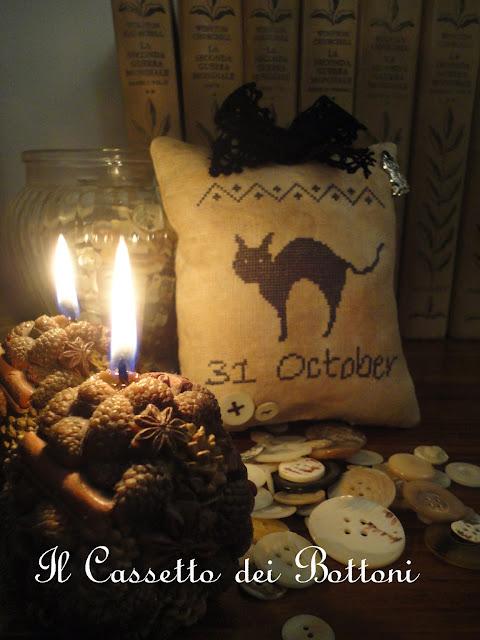 http://3.bp.blogspot.com/-J1ucO-nua20/Um6jetVFojI/AAAAAAAABQI/PTogCShqYmc/s640/halloween+cross+stitch+.jpg