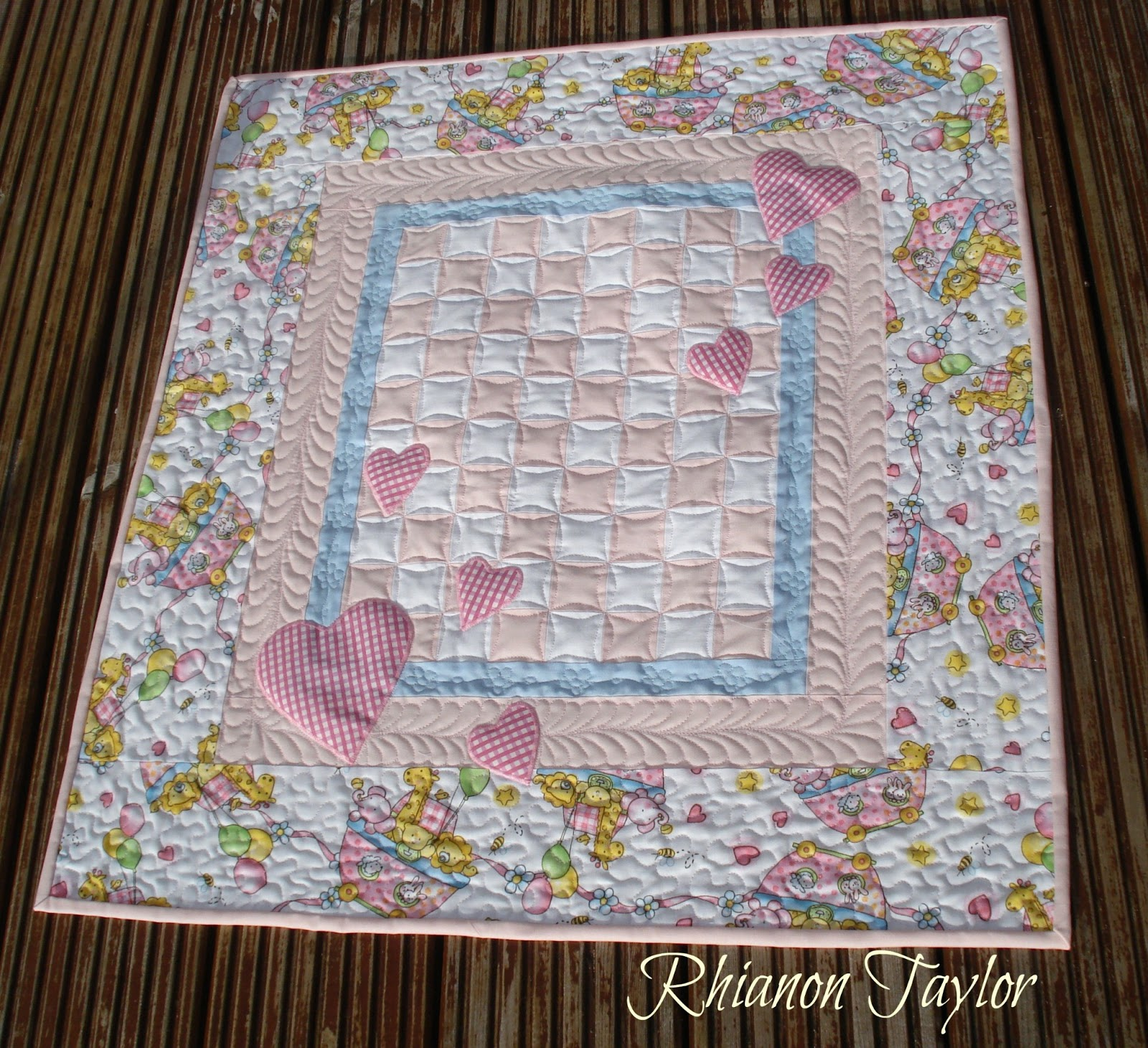 The Nifty Stitcher Hearts Baby Quilt Tutorial
