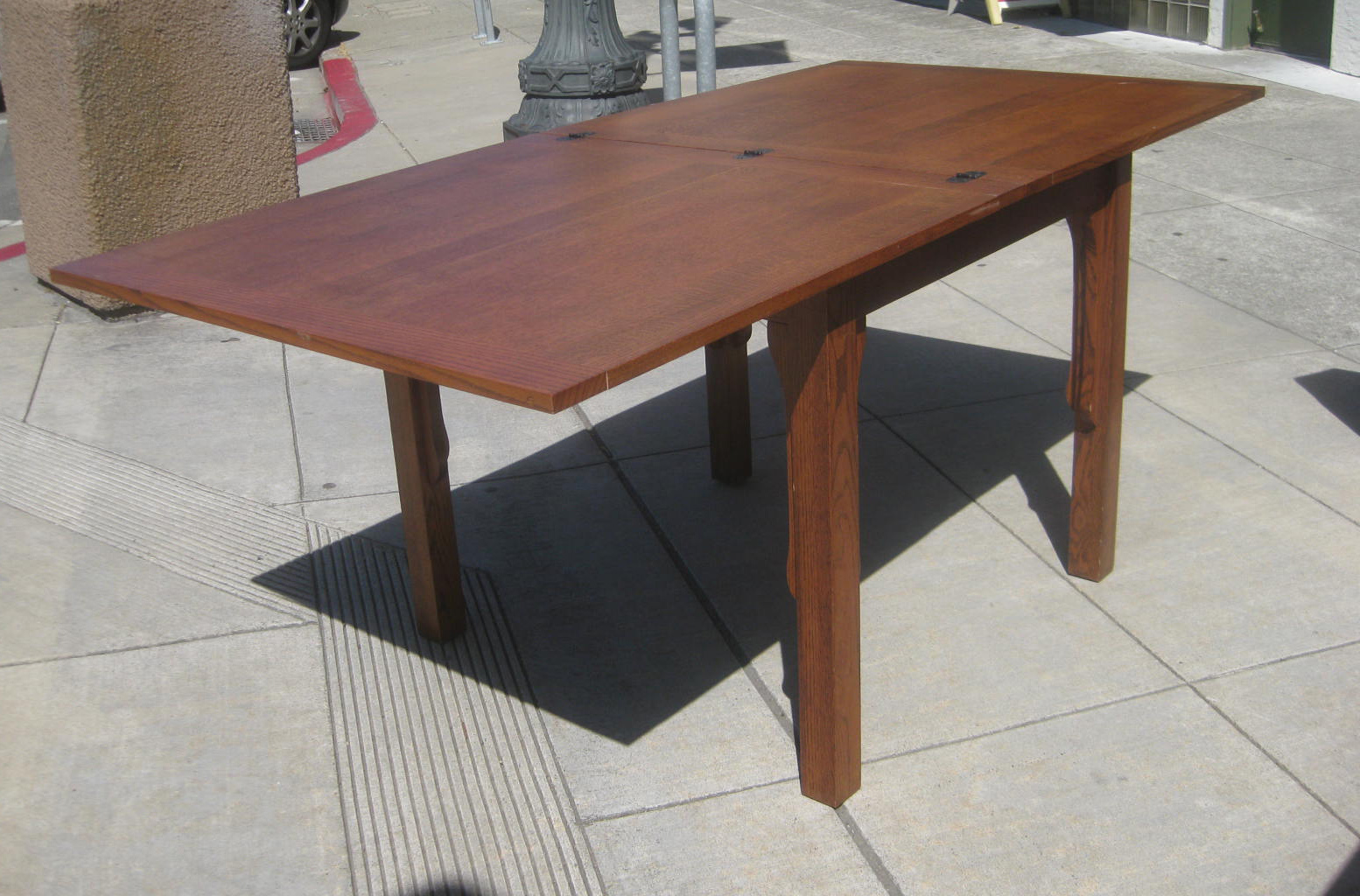 Uhuru Furniture Collectibles Sold Oak Mission Style