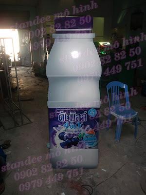 standee mô hình chai nước