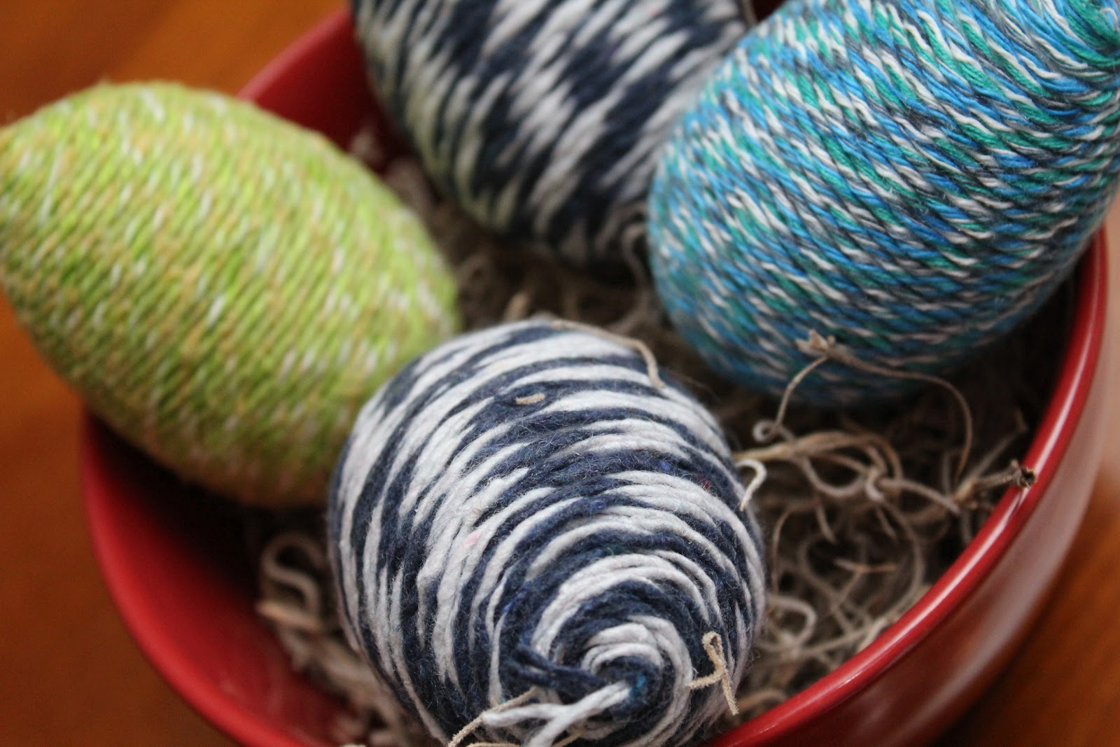 Yarns and threads on pinterest yarns law and gold for Craft with woolen thread