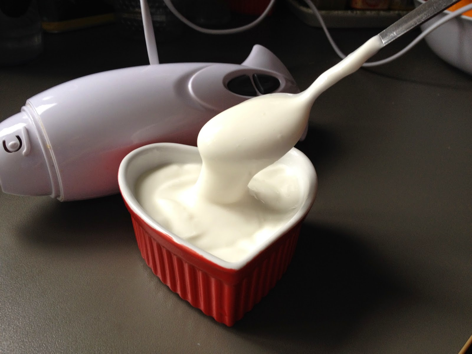single cream homemade with hand blender
