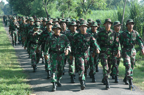 Prajurit Lanud Iswahjudi saat melaksanakan latihan Speed March