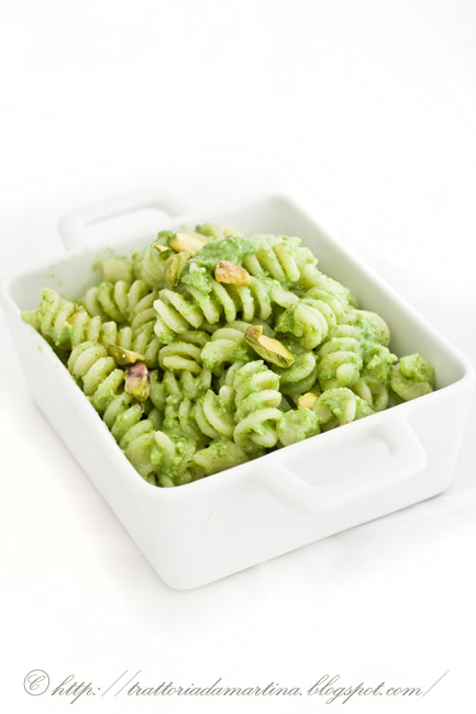 Pesto di lattughino, cipollotti e pistacchi