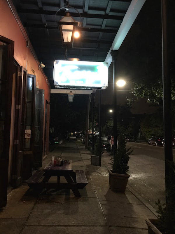 Tracey 39 S Restaurant Bar On Magazine Street In New Orleans 39 Garden District