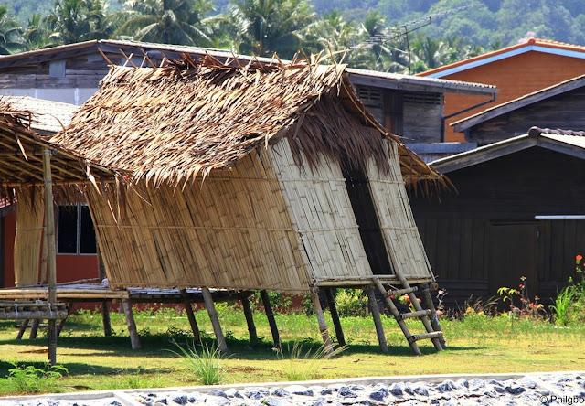 cabane en bois en Thailande à Ranong