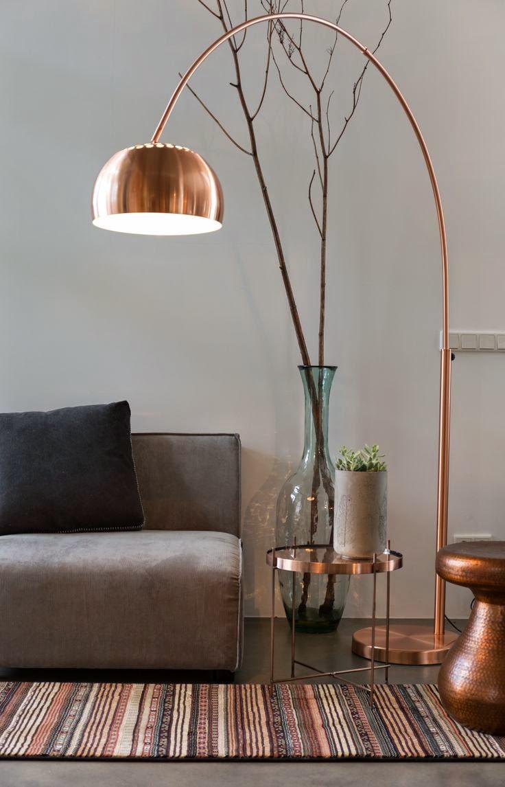 tendencia-decoracao-cobre-candeeiro-pe