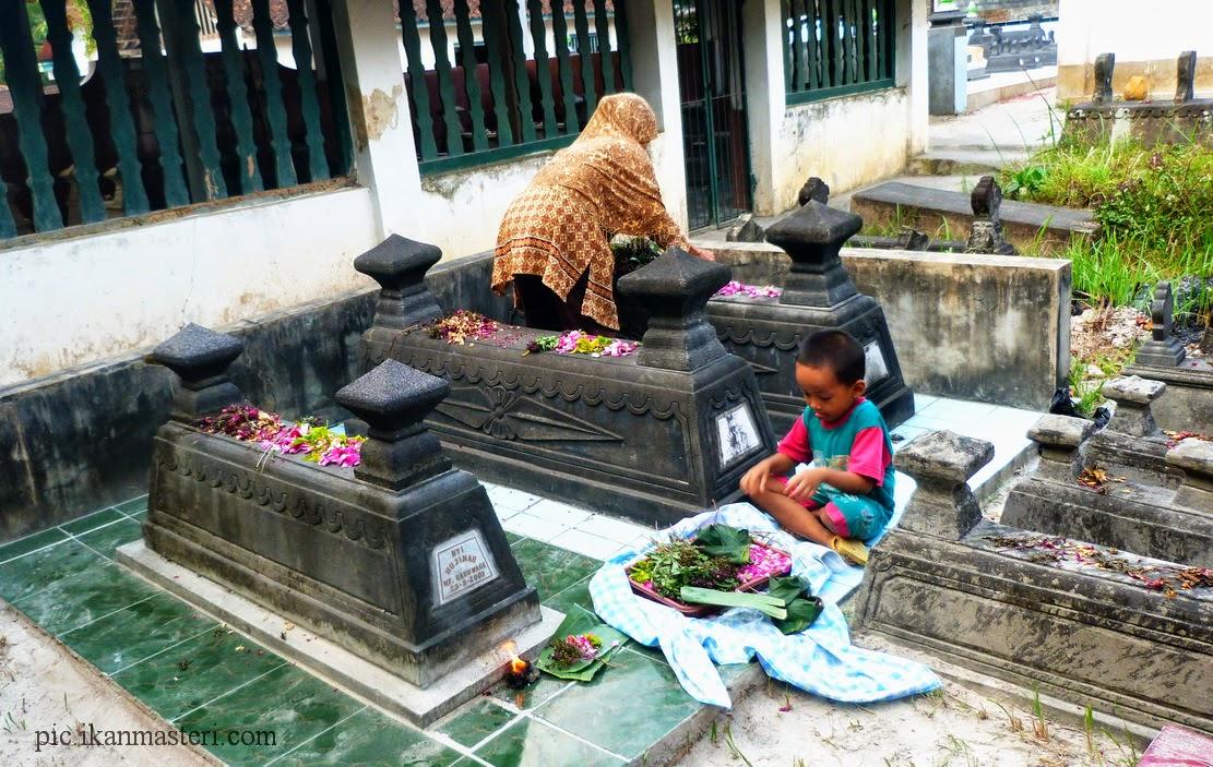 Tetap menyediakan doa dalam suka