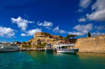 Εκδρομές στο ιστορικό νησί της Σπιναλόνγκας με το YesPort Travel κάθε μέρα!