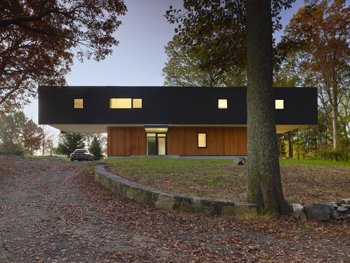 Casas minimalistas y modernas minimalista en el bosque for Casa minimalista bosque