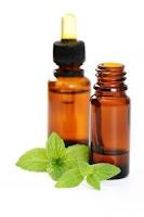 4 façons d'utiliser l'huile essentielle de menthe poivrée pour vos soins capillaires