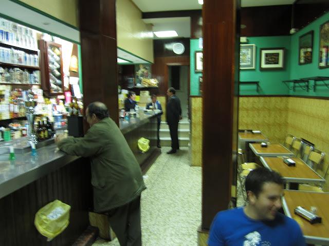 EL CANGREJERO, cervecería y conservas.