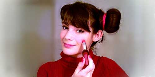 monika sanchez maquillandose de pucca